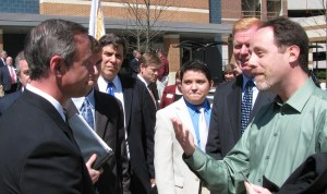 Gov. O'Malley listens to clean energy issues raised by Clean Currents President Gary Skulnik.