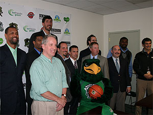 Maryland Greenhawks players and Bethesda Green staff and volunteers
